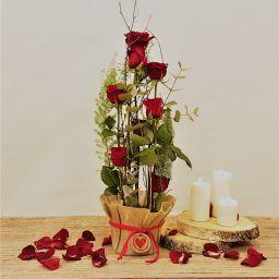 Centro 8 rosas rojas